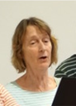 Florentine zingend bij repetitie